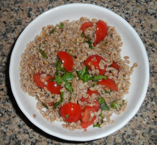 Farro con pomodorini e basilico