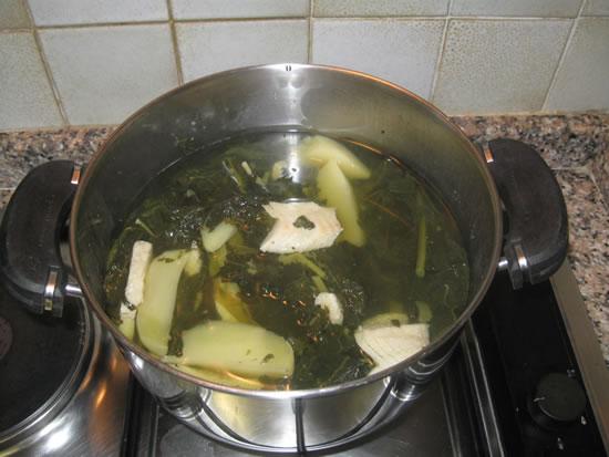 L'aggiunta del baccalà e delle patate ai cavoletti