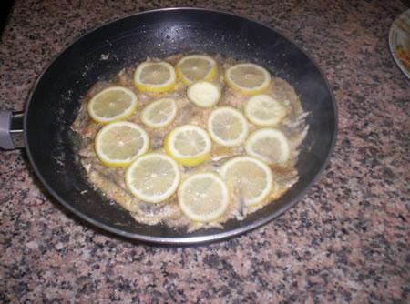Le alici al limone pronte da servire