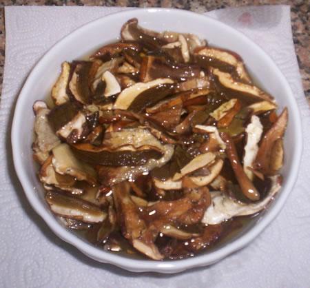 I funghi porcini secchi in ammollo