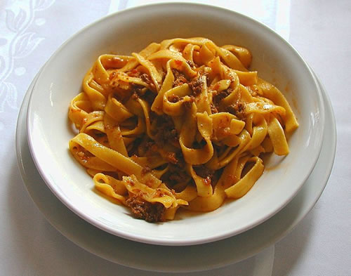 Fettuccine al ragù bolognese