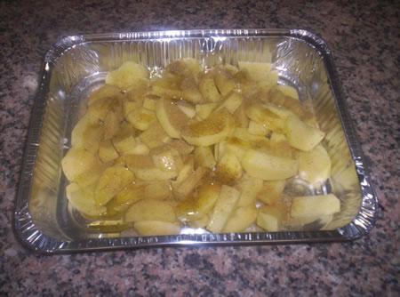 Le patate condite con finocchiella, olio e sale
