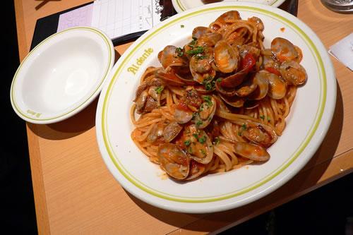 """Un piatto di spaghetti con le vongole di """"Al dente"""""""